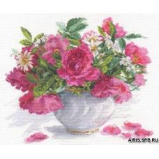 2-25 Цветущий сад: Розы и ромашки