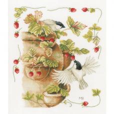 0168599-PN Набор для вышивания Lanarte 'Птички и земляника' 30*33 см