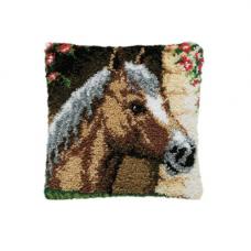 013.310 Конь