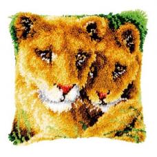 PN-0147954 Подушка Львица и львёнок